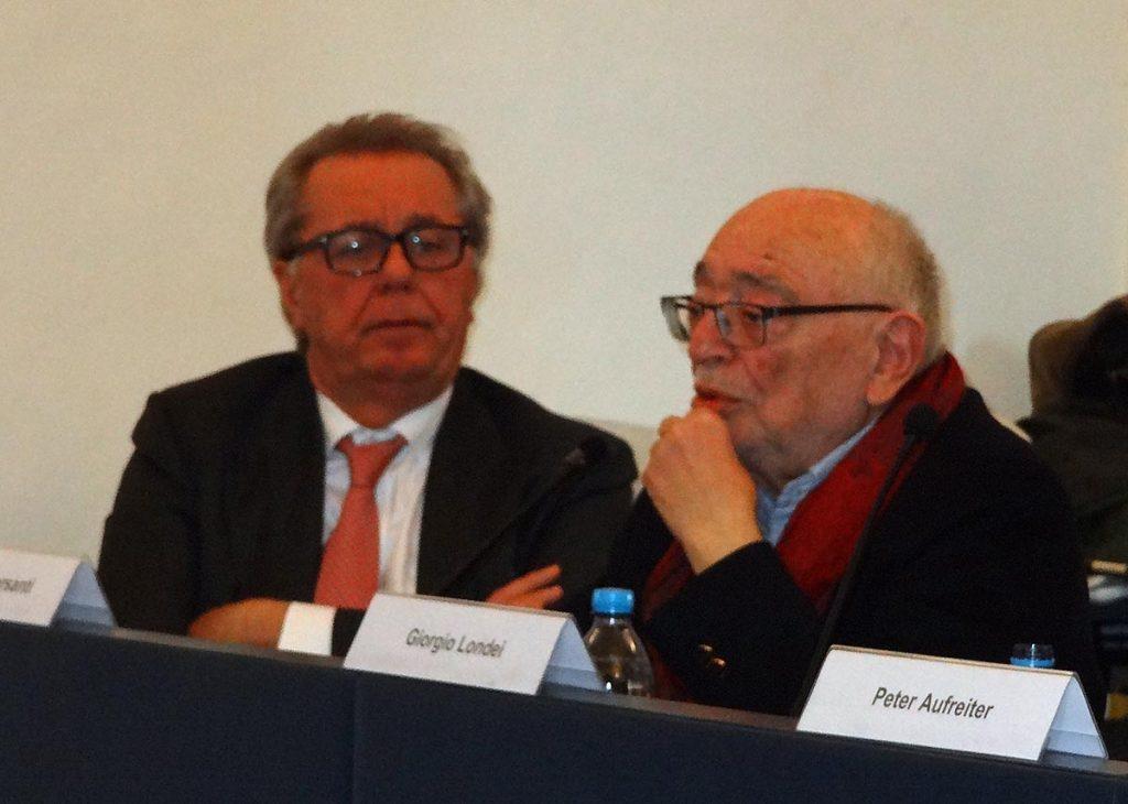 Il sociologo marchigiano Ferruccio Giovanetti (a sinistra: Monte Grimano, 1955) e il poeta Umberto Piersanti (Urbino, 1941)