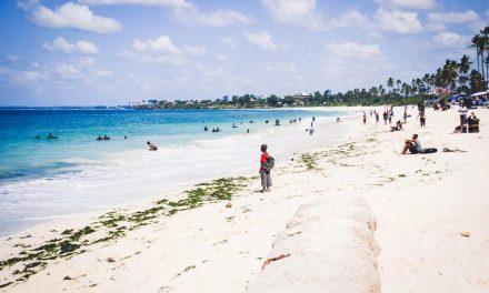 Nelle bandiere verdi dei pediatri spunta una spiaggia a sorpresa: Dar es Salaam in Africa. L'ideatore dell'iniziativa spiega il mare di motivi per questa scelta