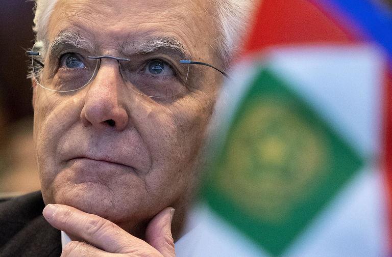 """Lettera aperta al presidente Sergio Mattarella: """"Ci ripensi. Si ricandidi per un secondo mandato al Quirinale"""""""