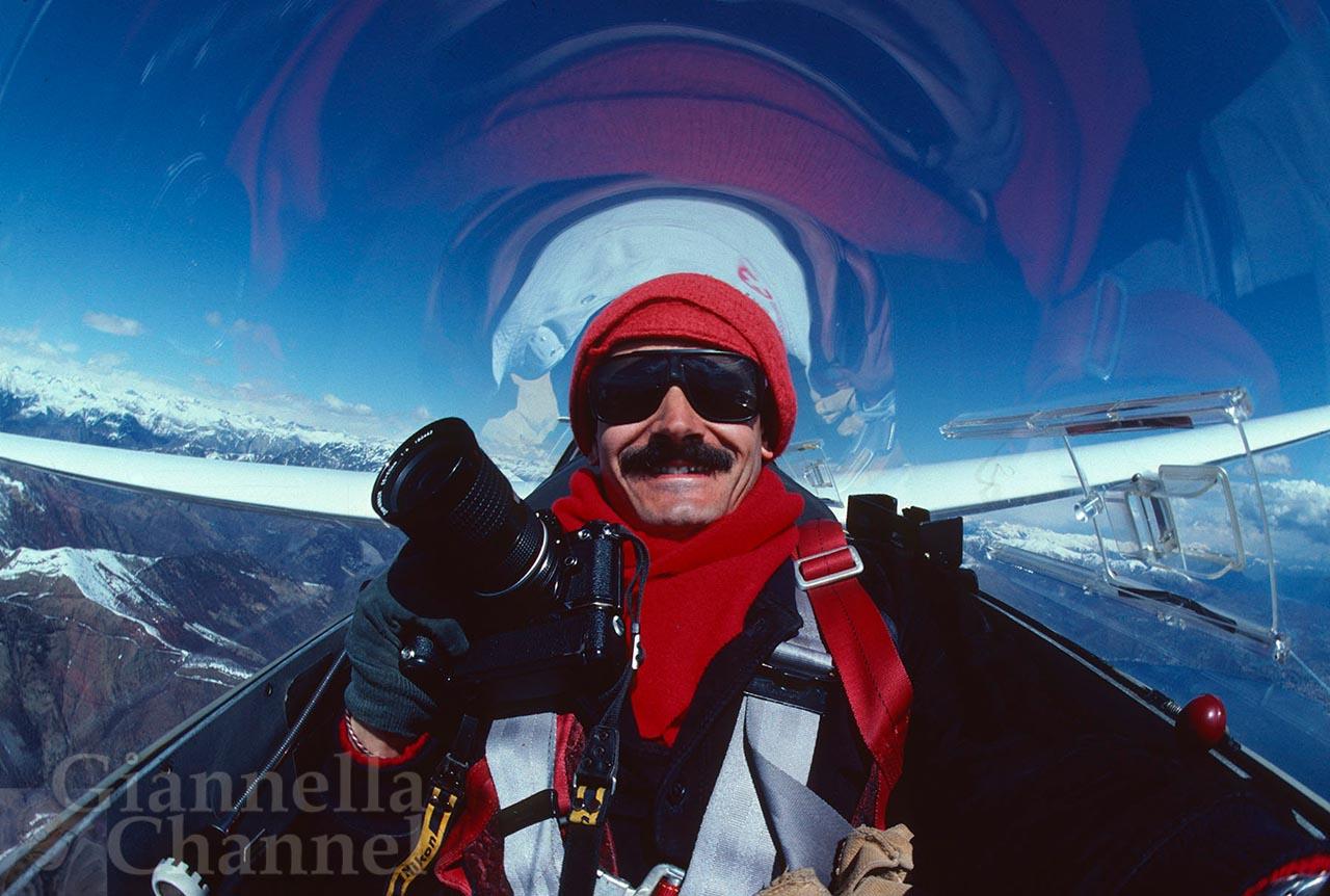 Volo in aliante sulle Alpi Occidentali. Autoscatto di Daniele Pellegrini